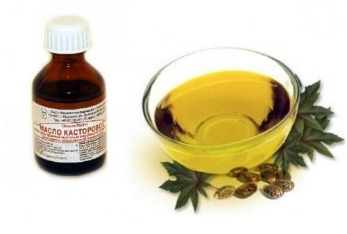 Касторовое масло в стеклянной миске