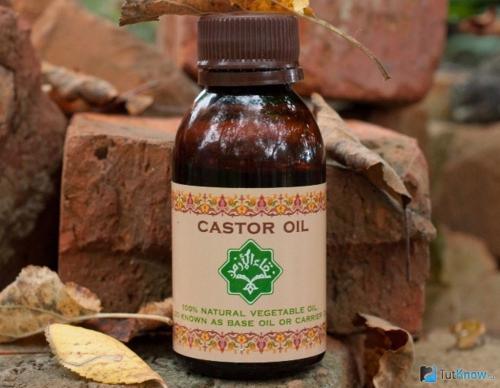 Касторовое масло для ресниц в темном флаконе