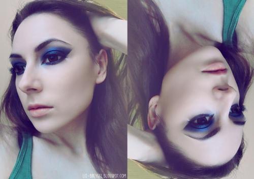 Девушка с синей тушью